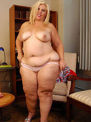 Hips Nude